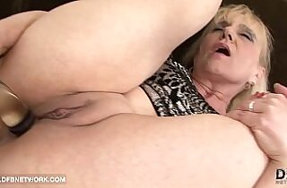 Granny Anal strapon Fuck Wants huge Cock In Her Ass Interracial Anal Sex