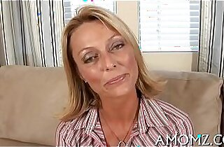 Mommy shows off banging talents