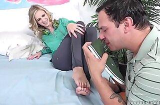 Les pieds de Rachel James un pur delice