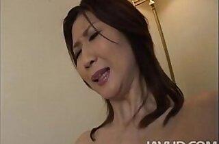 Lonely housewife Nanako Yoshioka seduces the tv repair guy