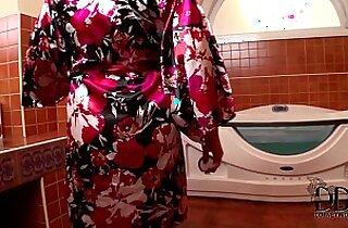 Sandra Boobies Sucks hard Cock In The Tub Gets Cum On Her Jugs