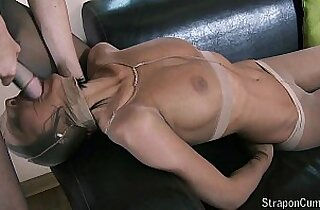 Addicted to pantyhose fetish