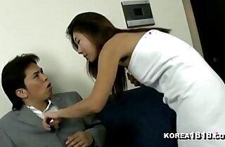 HOT Korean MIlF in Towel Seduction