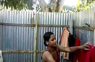 Bangladeshi sexy girl naked bathing selfie for Bf