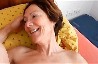 boyfriend fuck ass slut granny Clarill on bed smile and come closeup