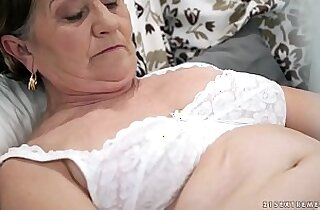 Old hairy pussy up with her young cock
