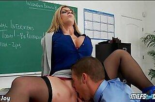MILF Sara Jay take cock in POV